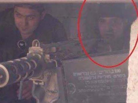 """סוחר הסמים של חיזבאללה עם נשק ישראלי, נוח זעיתר /צילום: דף הפייסבוק  """"אינטלי טיימס-מודיעין חדשותי"""""""