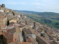 עיירה שמציעה בתים בחינם, גנג'י, סיציליה, איטליה / צילום: וידאו