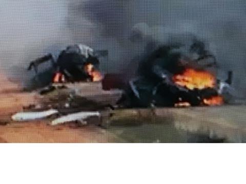 """שני רכבי הסיור של צה""""ל שנפגעו מירי טילי נ""""ט / צילום מסך"""