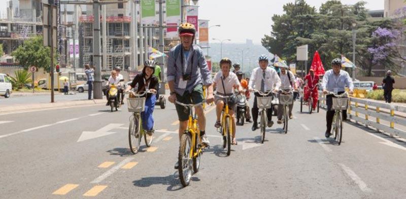 חודש ללא מכוניות, אופניים, תחבורה ציבורית יוהנסבורג, דרום אפריקה / צילום: Eco mobility