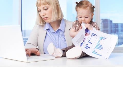 משרד, הורים וילדים בעבודה/ צילום: שאטרסטוק