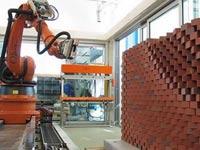 רובוט בונה בתים SAM Semi-Automated Mason בנייה / צילום: וידאו