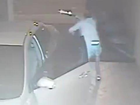 שודדים הסתבכו עם הקורבן הלא נכון, ברזיל, שוטרים, ירי / צילום: וידאו