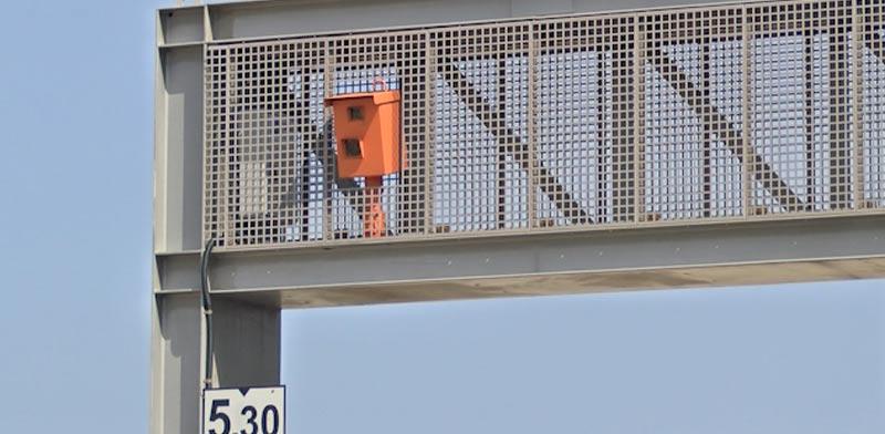 מצלמת מהירות ,איילון, נתיב תחבורה ציבורית/ צילום: גלובס טיוי