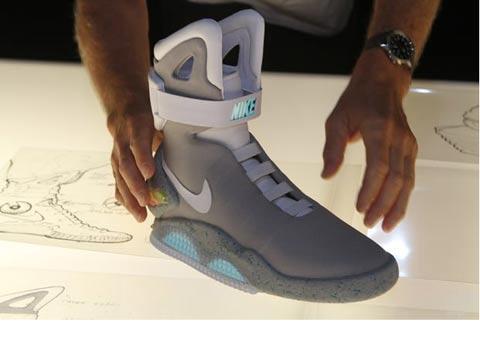 """נעליים שנשרכות לבד Nike MAG / צילום: יח""""צ"""