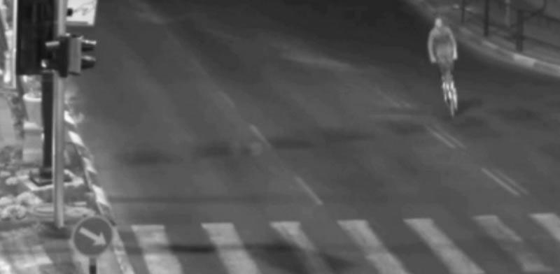 רוכב קורקינט,תאונה בראשון לציון / צילום: מתוך הוידאו, מצלמות מהירות