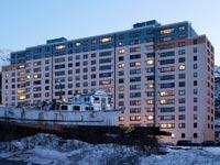 עיירה באלסקה, וויטייר, כל התושבים בבניין אחד / צילום: וידאו
