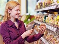 חנות בלתי מאוישת שבדיה, סמארטפון, ברקוד / צילום: וידאו
