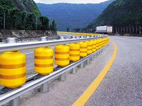 מעקה בטיחות מציל חיים, דרום קוריאה, the road roller system / צילום: וידאו