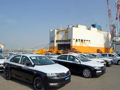 נמל חיפה, פריקת רכבים חדשים/ צילום: יחצ