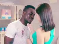 פרסומת סינית לאבקת כביסה Qiaobi, גזענות, סין, ויראלי, אינטרנט / צילום: וידאו