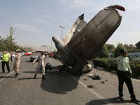 מטוס איראני מתרסק/ צילום:רויטרס
