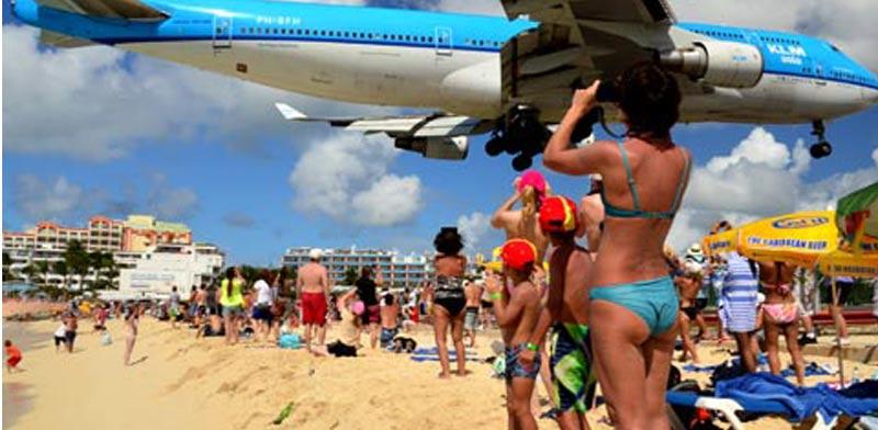 חוף מאהו שבסן מרטן שבקריביים / צילום: מתוך הוידאו