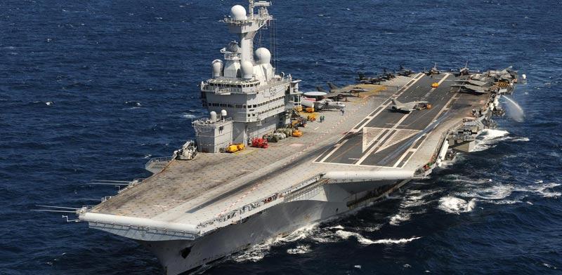 """נושאת המטוסים הצרפתית שארל דה גול , דאע""""ש, סוריה, מלחמה בטרור / צילום: וידאו"""