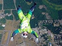 צניחה חופשית ללא מצנח, 7500 מטרים, לוק אייקינס / צילום: וידאו