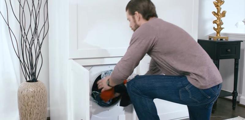 ארון בגדים לייבוש כביסה /  צילום: מתוך הוידאו גיגטיים