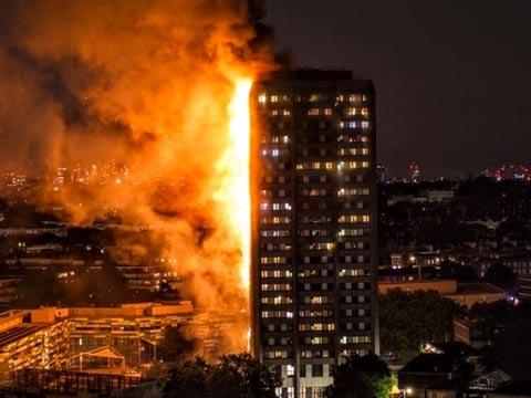 שריפת ענק בלונדון / צילום: מתוך הוידאו