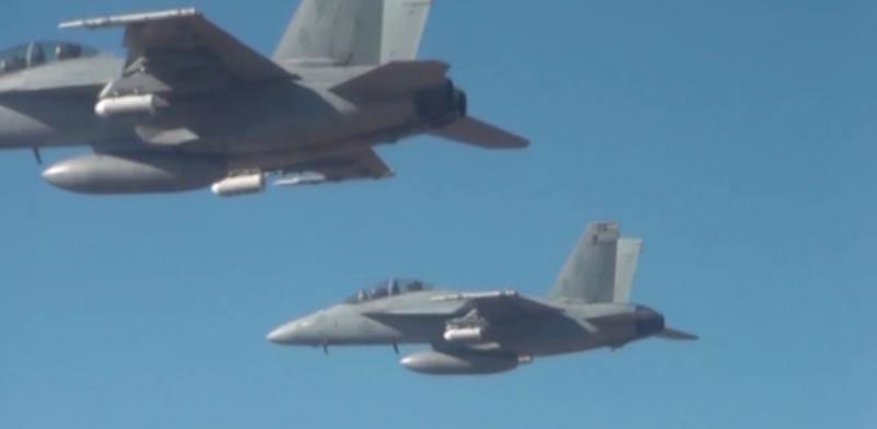 """רחפנים, נחיל הרחפנים המזעריים הגדול בעולם Perdix צבא ארה""""ב / צילום: וידאו"""