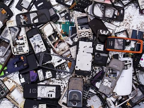 זיהום הסביבתי של הטכנולוגיה / צילום: shutterstock
