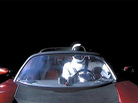 אלון מאסק בחלל/ צילום: מתוך הוידאו