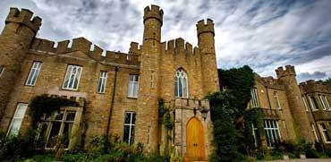 לילה בטירה מפוארת: רק 3,120 ₪ עבור 16 נפשות