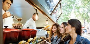רעבים לטייל: חמשת הסיורים הקולינריים הטובים בעולם