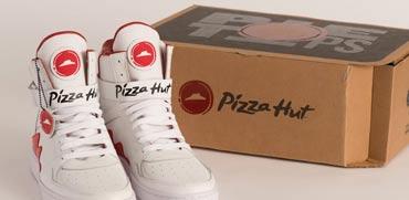 צפו: לחיצה אחת על הנעל והפיצה בדרך אליכם
