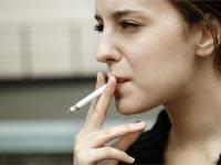 עישון סיגריה/ צילום: שאטרסטוק