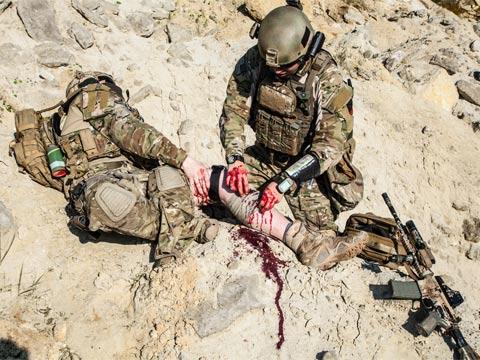 חייל פצוע/ צילום: שאטרסטוק