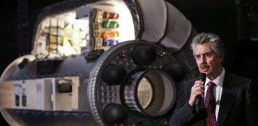 מיהו המיליארדר המוזר שמתכנן להקים צימרים בחלל כבר ב-2021