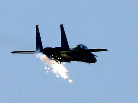 סוריה-חיל האוויר תוקף/ צילום: רויטרס