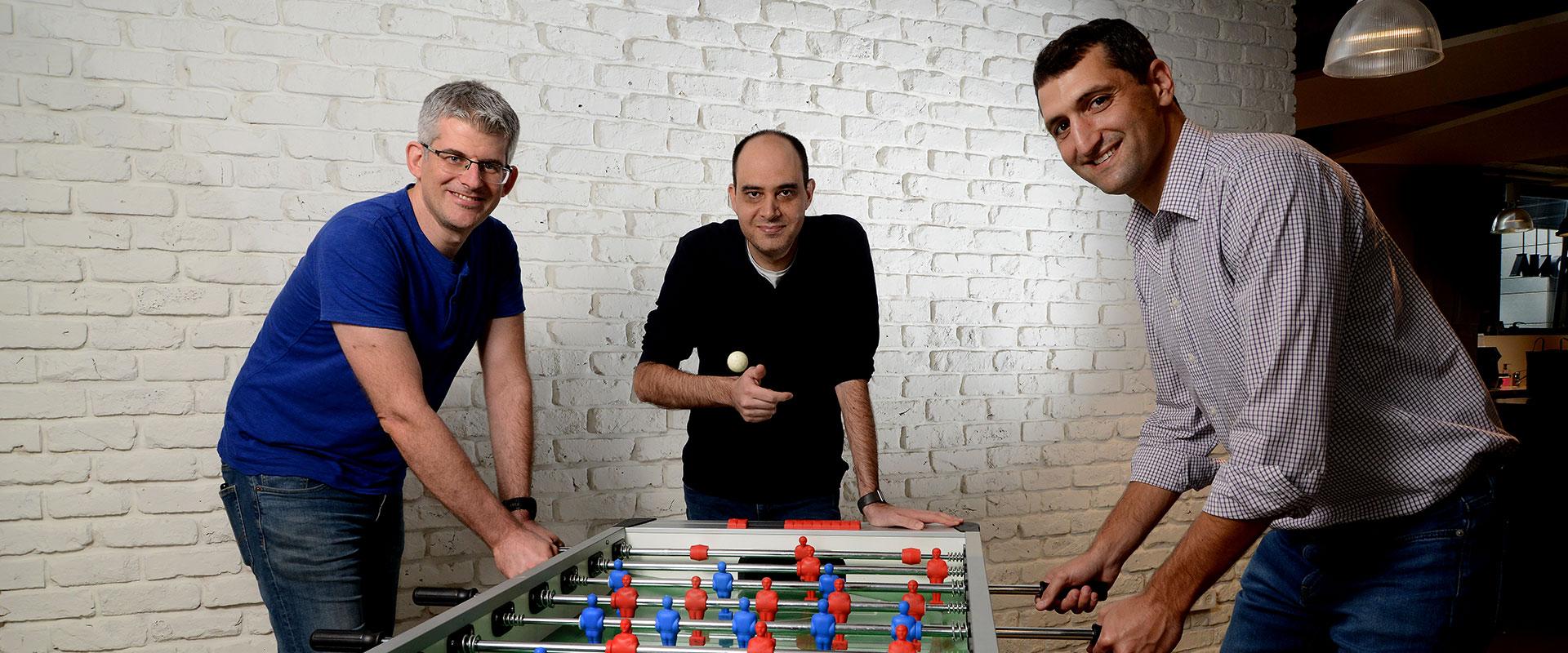 10 הסטארט-אפים המבטיחים 2020 - אריאל ברקמן, אורי ינקלב וערן כהן, מייסדי OwnBackup / צילום: איל יצהר, גלובס