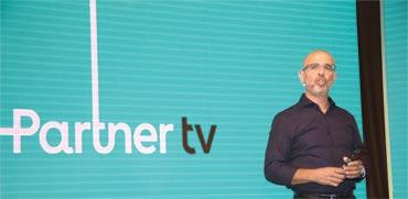 """מנכ""""ל פרטנר איציק בנבנישתי בהשקת הטלוויזיה /צילום: אמיר גוטפריד"""