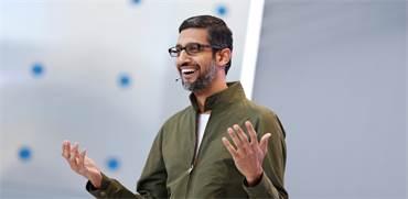 """סונדר פיצ'אי, מנכ""""ל גוגל בכנס אתמול / צילום: סטפן לם, רויטרס"""