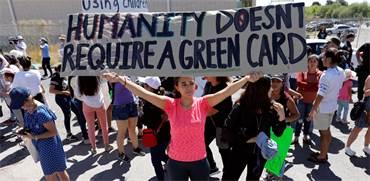 הפגנה נגד הפרדת ילדי המהגרים מהוריהם / צילום: רויטרס
