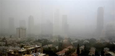 זיהום אוויר מעל תל אביב / צילום: תמר מצפי