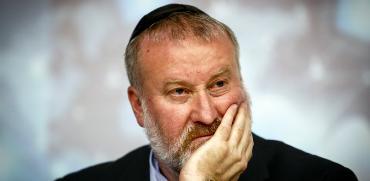 ישראל 2018: שר בכיר מואשם בשוחד, ולאף אחד לא אכפת