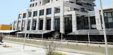 מגדלי גינדי והגדר השנויה במחלוקת / צילום: איל יצהר