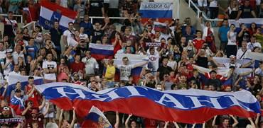 קהל רוסי במוקדמות יורו 2020 / צילום: Yiannis Kourtoglou, רויטרס