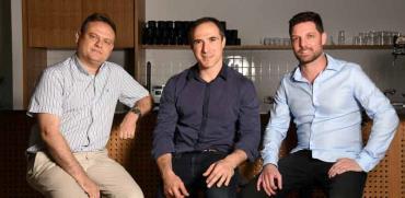 """מייסדי פיירבלוקס: עידן עפרת (מימין), מיכאל שאולוב ופבל ברנגולץ / צילום: יח""""צ, יוסי זליגר"""