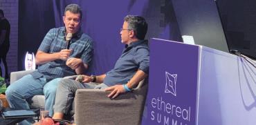 תומר בראל מ־Calibra של פייסבוק (משמאל) ואוריאל אוחיון מ־Zengo בכנס Ethereal בתל אביב / צילום: יח״צ - Consensys