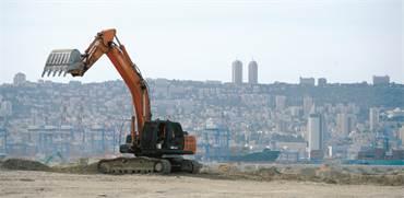 עבודות הבנייה של נמל המפרץ / צילום: איל יצהר