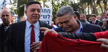 אבי גבאי, עמיר פרץ ופעיליו במהלך פריימריז מפלגת העבודה / צילום: שלומי יוסף