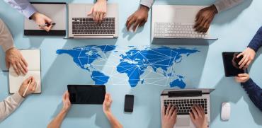 עובדים בצוותים וירטואלים / צילום: Shutterstock  א.ס.א.פ קרייטיב
