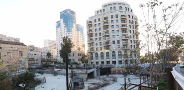 המגרש שנמכר ומאחוריו פרויקט 'ירושלים של זהב '/ צילום: יוסי זמיר