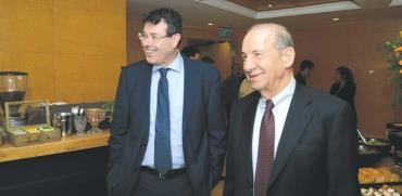 """יו""""ר מזרחי טפחות משה וידמן (מימין) והמנכ""""ל פרשר / צילום: איל יצהר"""