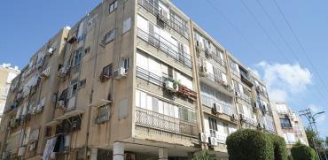 הדירה שבשכונת שיכון ותיקים בבת ים / צילום: איל יצהר, גלובס
