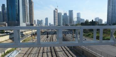 תחנת הרכבת בתל אביב. הרכבת מושבתת בצל הקורונה. / צילום: איל יצהר, גלובס