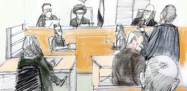 """הדיון בבית המשפט המחוזי בירושלים. מימין: נוני מוזס, בנימין נתניהו ועורך דינו של רה""""מ מיכה פטמן. בחזית האיור שלושת שופטי ההרכב. משמאל: התובעת עו""""ד ליאת בן-ארי / איור: גיל ג'יבלי, גלובס"""