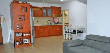 """דירת 3 חדרים בנהריה נמכרה ב-778 אלף שקל / צילום: יח""""צ"""